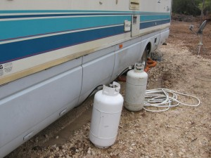 40lb external propane tanks hooked to the Extend A Stay