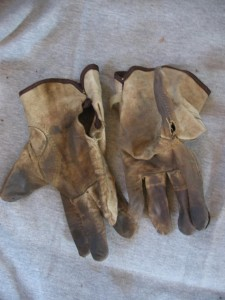 Tractor Supply Chinese Crap Gloves